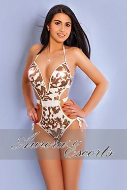 London escort girl Oana