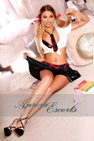London escort girl  Mia