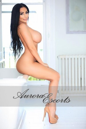 London escort girl  Mona