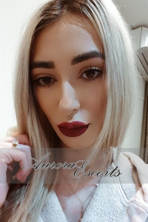 London escort girl  Lydia