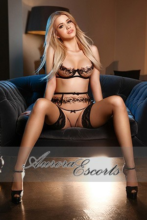 London escort girl  Selena