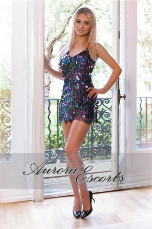 London escort girl  Manara