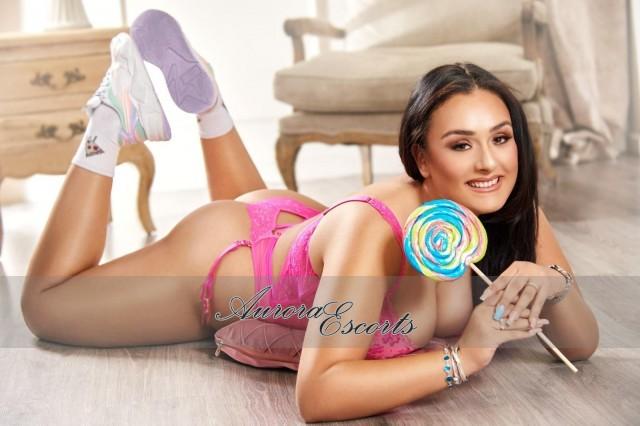 London escort girl Ylenia G.